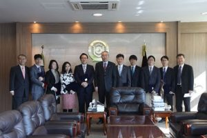 2013 Outstanding Teaching and E-education Award (2014.03)